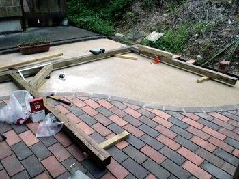テラス屋根作成中